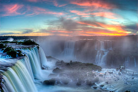 https://upload.wikimedia.org/wikipedia/commons/thumb/1/1c/Sunset_over_Iguazu2.jpg/280px-Sunset_over_Iguazu2.jpg